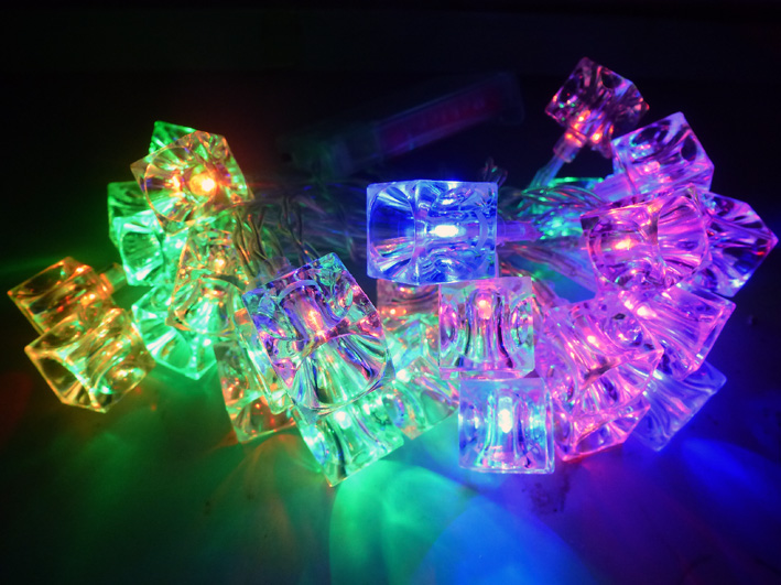 Christmas LED ice cube chain of lights 3,8 m with 30 Leds